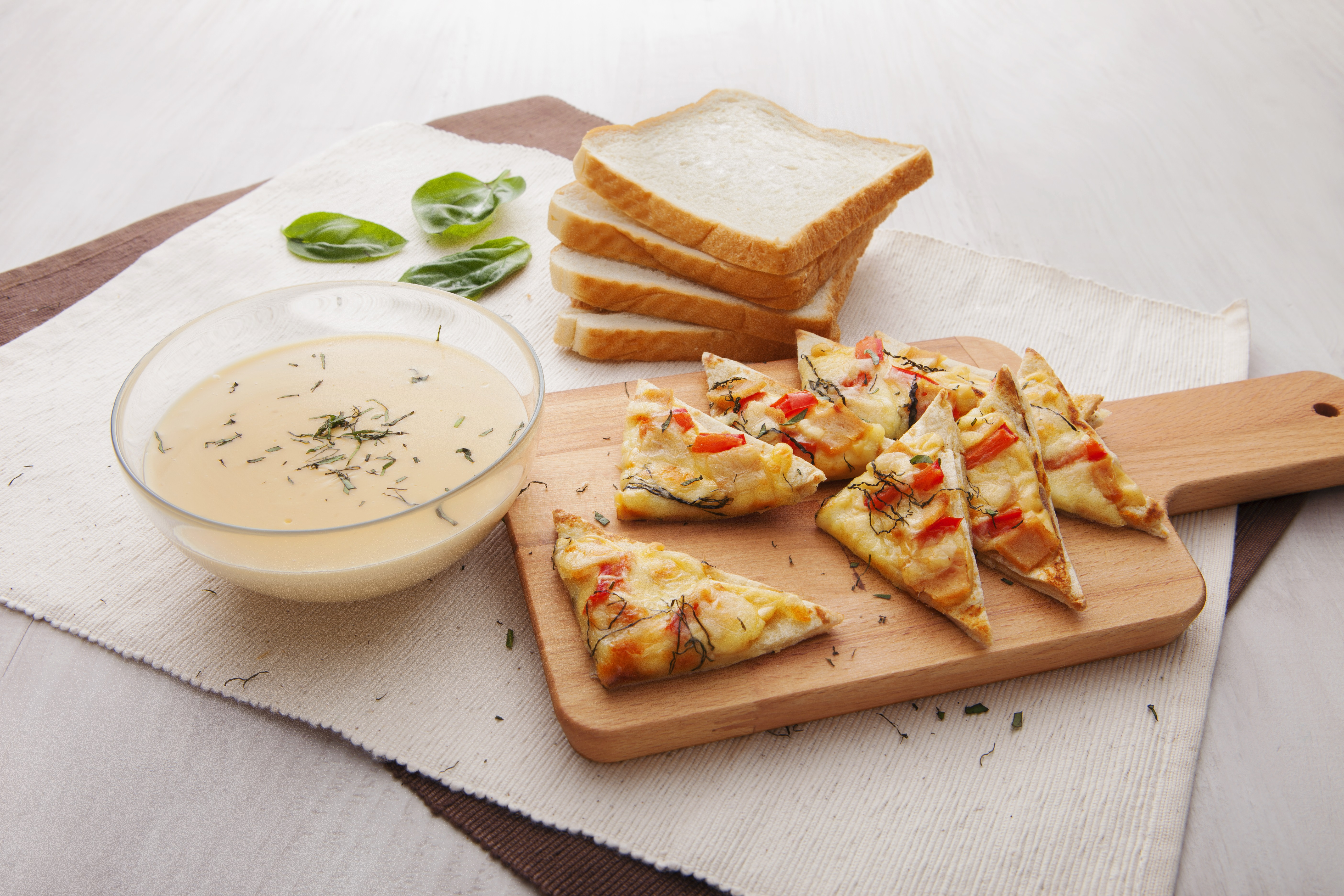 Trio Cheese Pizza Bread